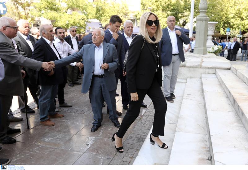 Η Φώφη Γεννηματά στην κηδεία του Αντώνη Λιβάνη