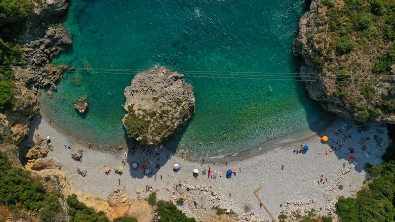 Η παραλία Φονέα