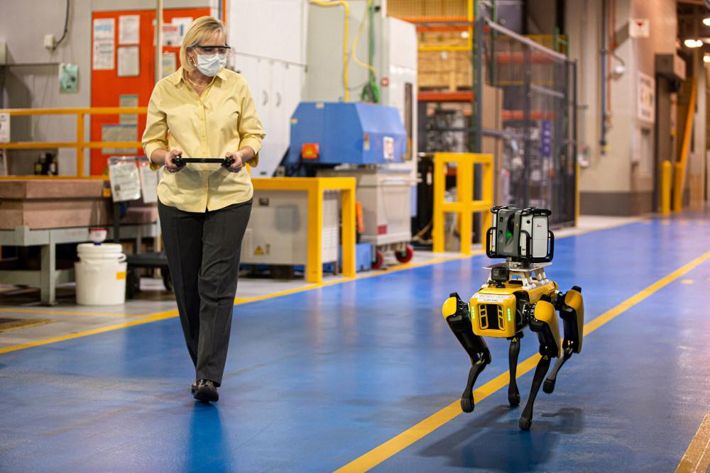 Η Ford κατασκευάζει ρομπότ με τεχνητή νοημοσύνη