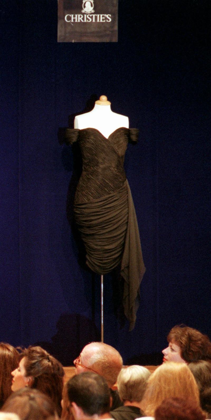 Το φόρεμα της πριγκίπισσας Νταϊάνα σε δημοπρασία
