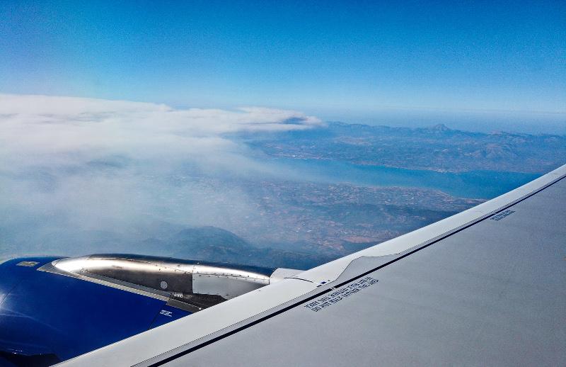 Η εικόνα του καπνού που έχει σκεπάσει τον ουρανό δίνει και μια γεύση για το μέγεθος της καταστροφής