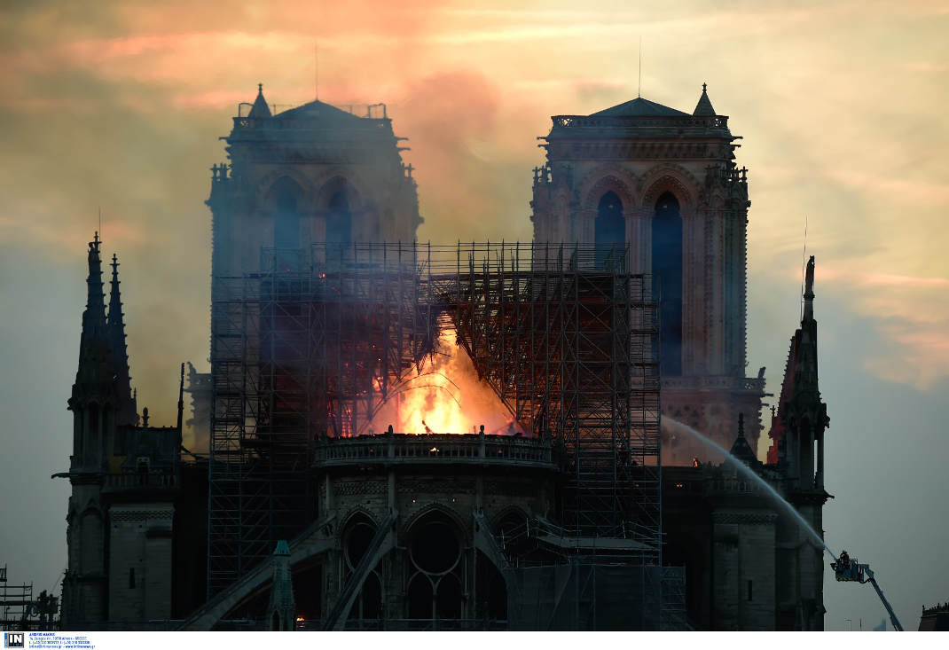 H φωτιά εξαπλώθηκε σχεδόν αμέσως αλλά όλα δείχνουν ατύχημα