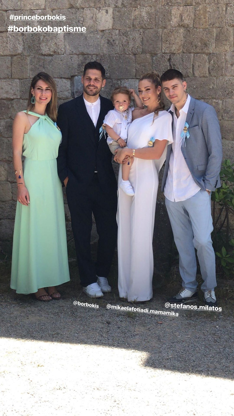 Οικογενειακή φωτογραφία μετά από τη βάφτιση / Φωτογραφία: Instagram
