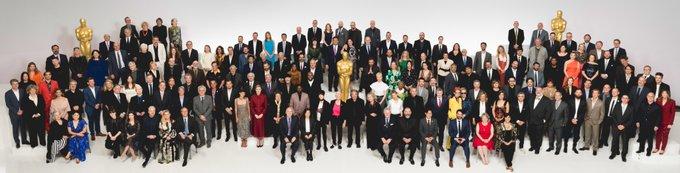 Η «οικογενειακή» φωτογραφία των υποψηφίων των Οσκαρ 2020