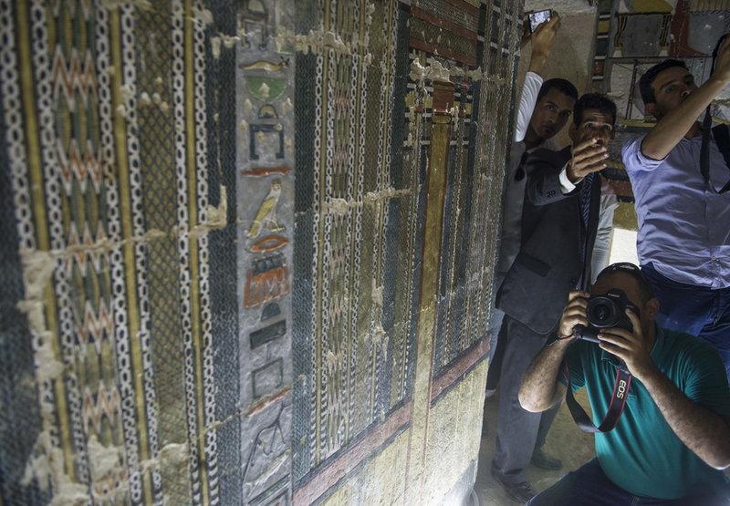 Φωτογράφοι σε αιγυπτιακό τάφο