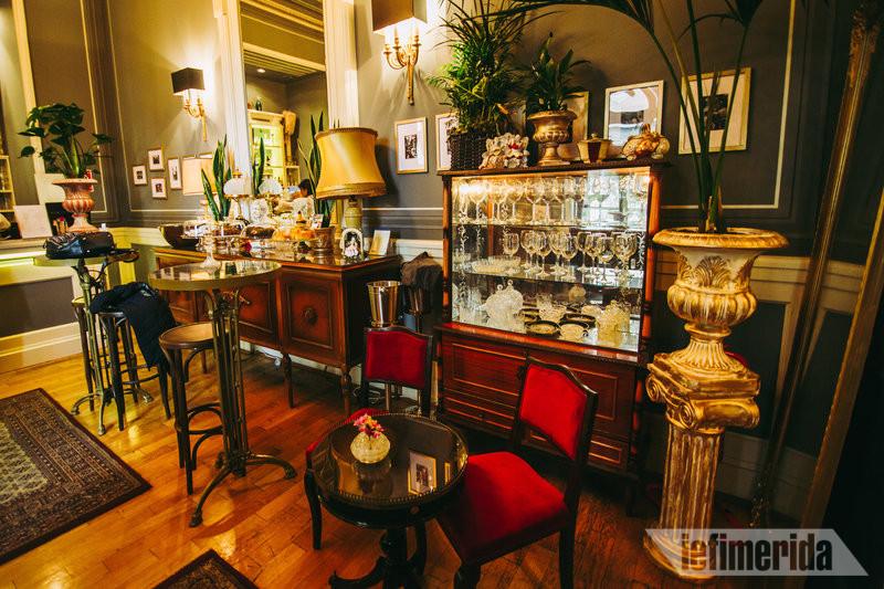 Vintage διακόσμηση του Foyer Café Bistrot
