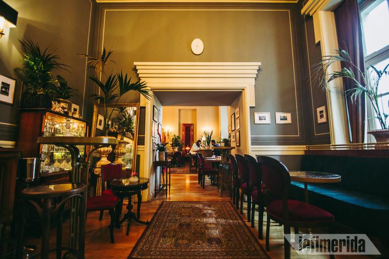 Οι χώροι του Foyer Café Bistrot