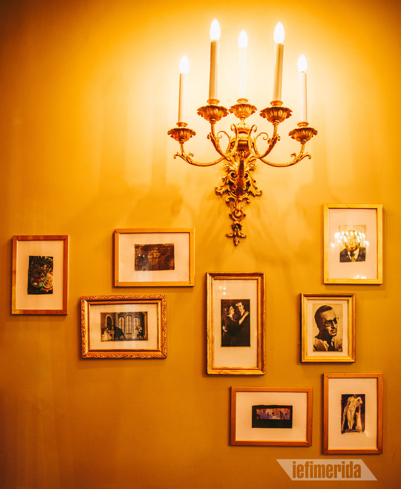 Απλίκα και πορτραίτα ηθοποιών στο Foyer Café Bistrot