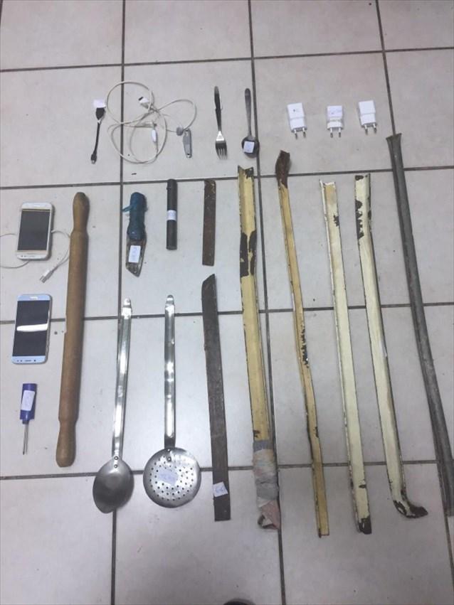 Ναρκωτικά, κινητά τηλέφωνα, αυτοσχέδια μαχαίρια και ρόπαλα βρέθηκαν σε νέα έρευνα στον Κορυδαλλό