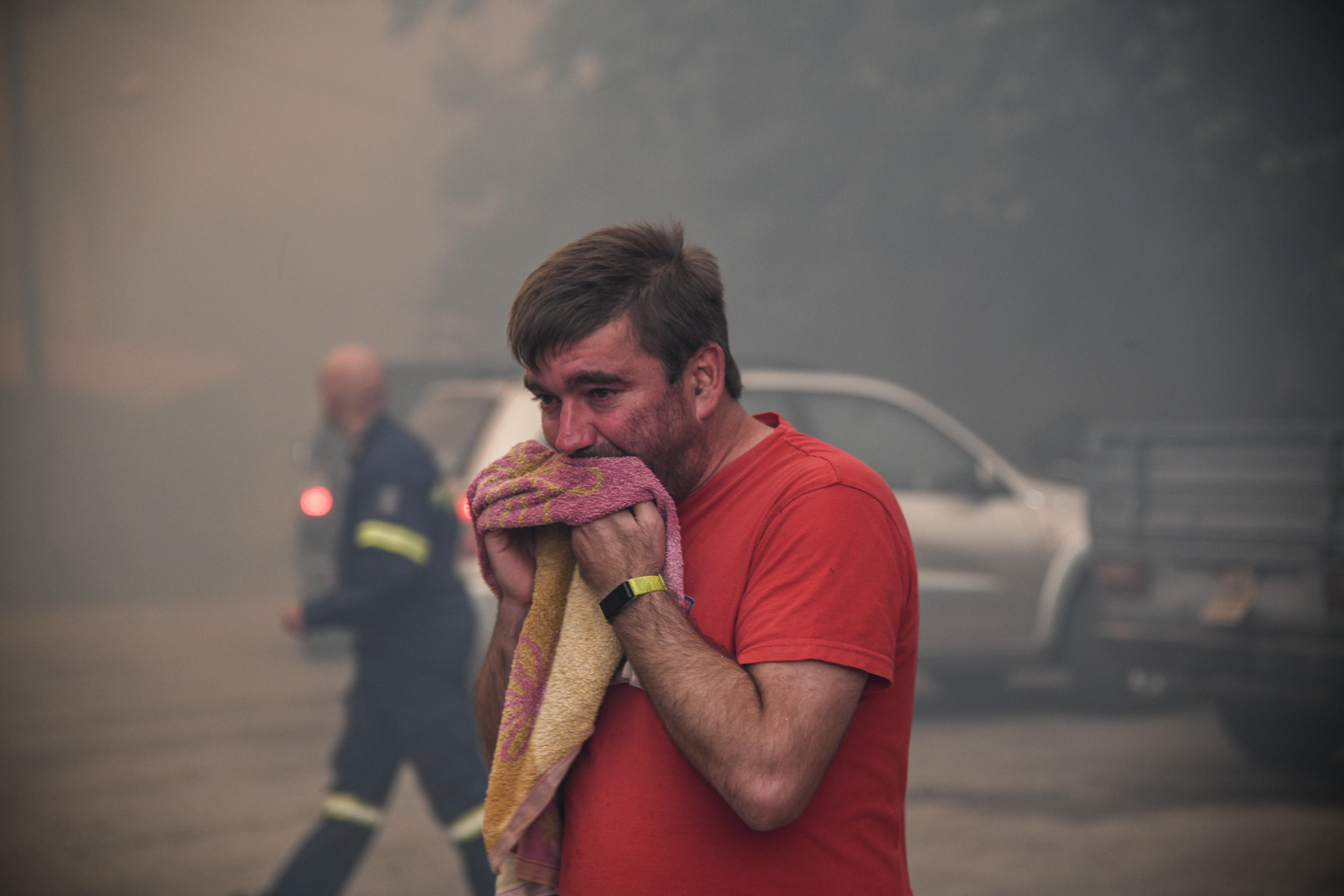 Πνιγμένος από τους καπνούς κάτοικος του χωριού