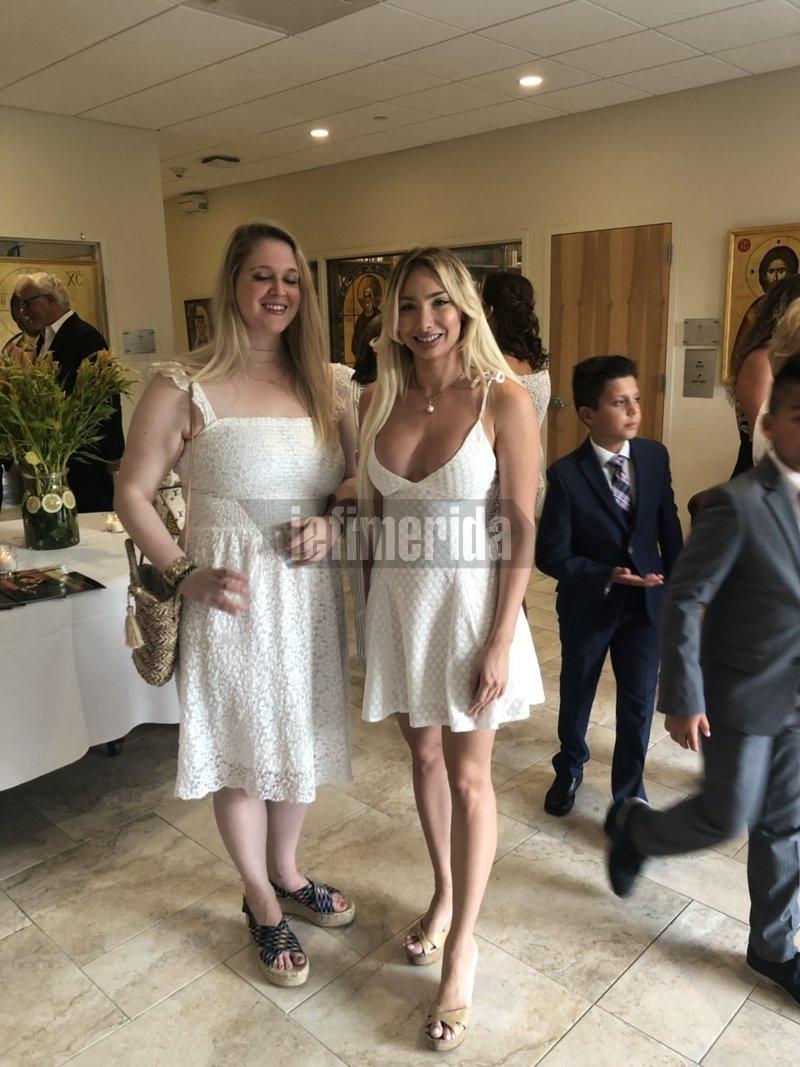 Η κόρη του Τζων Κατσιματίδη Άντρια (δεξιά) με μια φίλη της