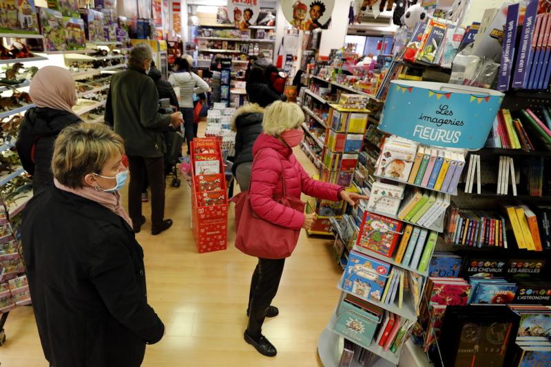 Βιβλιοπωλεία και καταστήματα ένδυσης, υπόδυσης και παιχνιδιών επαναλειτουργούν