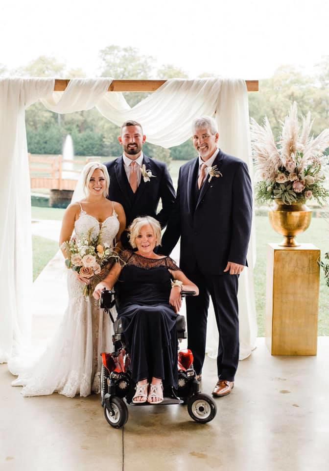 Η μητέρα του γαμπρού διαγνώστηκε με ALS τον Δεκέμβριο του 2019
