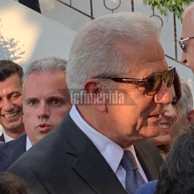 Ο Δημήτρης Αβραμόπουλος στο γάμο Μπαλατσινού-Κικίλια