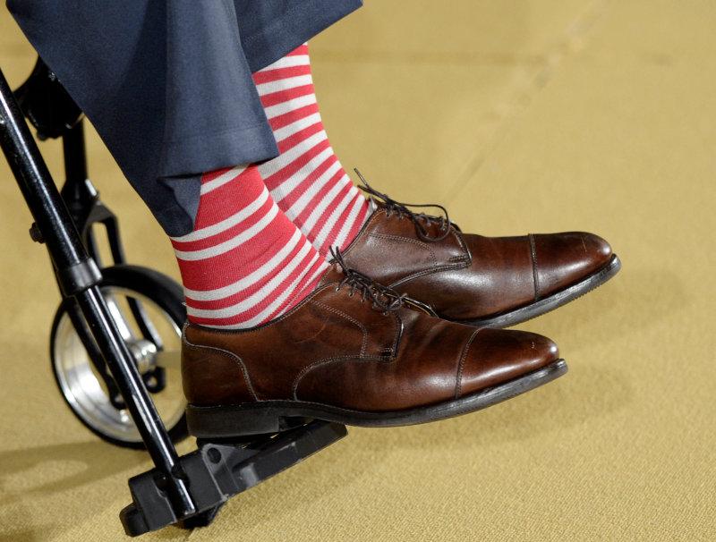 Οι ριγέ κάλτσες του πρώην προέδρου των ΗΠΑ, Τζορτζ Μπους που άφησαν εποχή