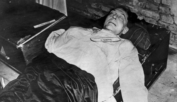 Ο Χέρμαν Γκέρινγκ νεκρός στο κελί του μετά την αυτοκτονία του