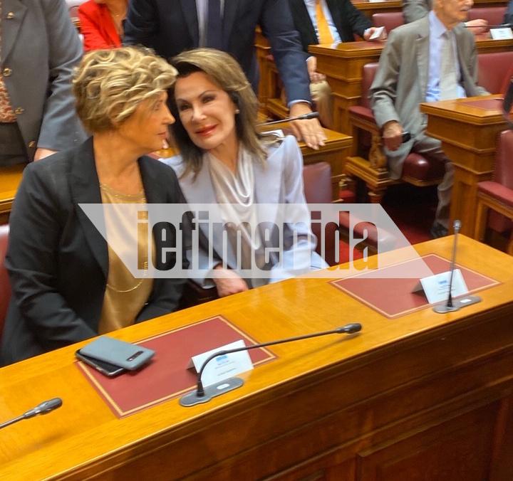 Η Ολγα Γεροβασίλη με την Γιάννα Αγγελοπούλου