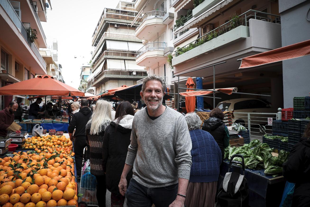 Επίσκεψη του υποψηφίου δημάρχου Αθηναίων Παύλου Γερουλάνου στην λαϊκή αγορά του Παγκρατίου
