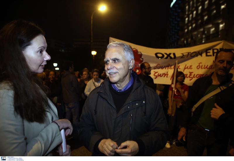 Ο Γιάννης Μπαλάφας στην πορεία με τοπ μπλοκ του ΣΥΡΙΖΑ / Φωτογραφία: INTIME NEWS