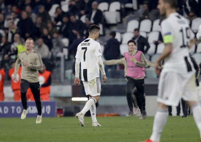 Με το κεφάλι σκυμμένο αποχαιρέτησε ο Κριστιάνο Ρονάλντο το Champions League
