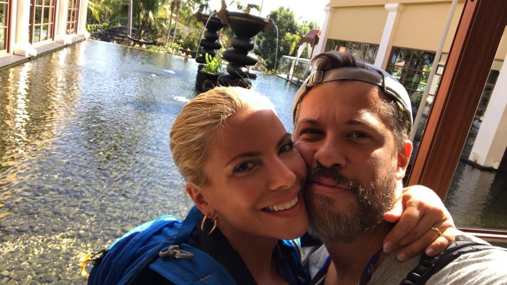 Χάρης και Αντελίνα Βαρθακούρη σε ένα από τα ταξίδια τους στο Globetrotters