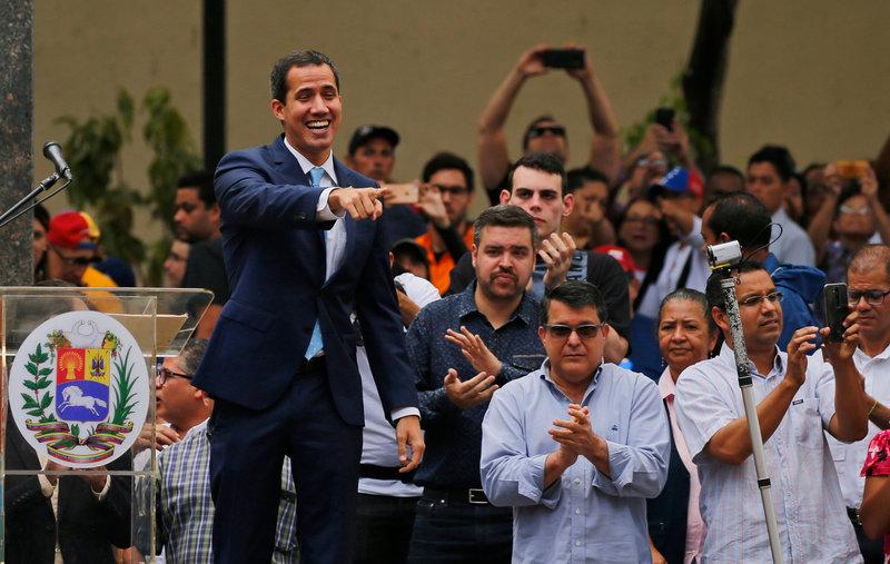 Ο Χουάν Γκουαϊδό ζητά την μεγαλύτερη διαδήλωση στην ιστορία την πρωτομαγιά κατά Μαδούρο -Φωτογραφία: AP Photo/Fernando Llano