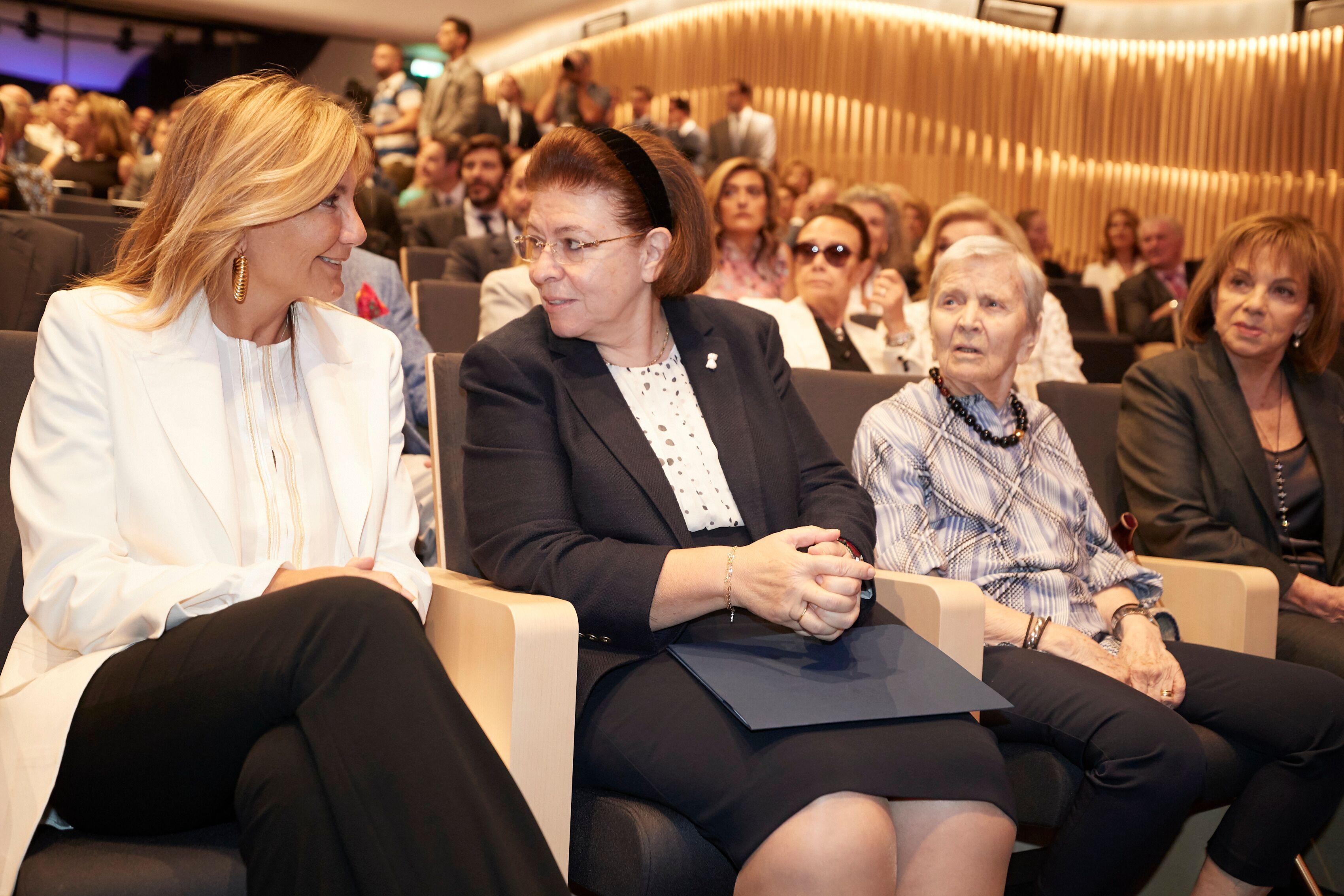 Μαρέβα Γκραμπόβσκι Μητσοτάκη, Λίνα Μενδώνη, Ελένη Αρβελέρ