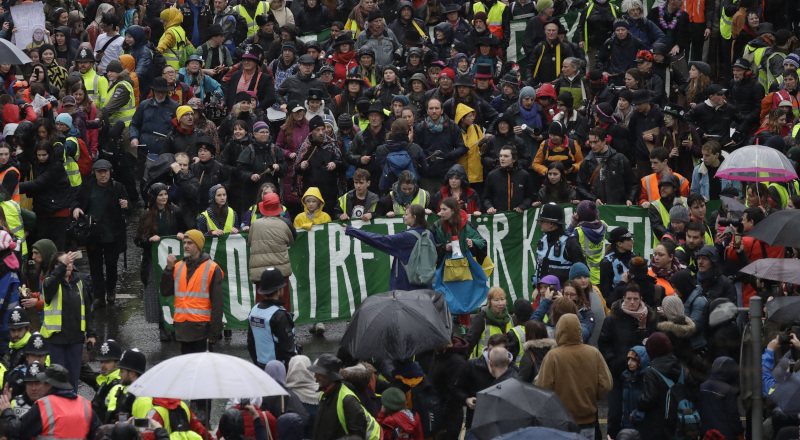 Διαδήλωση στην Βρετανία με επικεφαλής την Γκρέτα Τούνμπεργκ