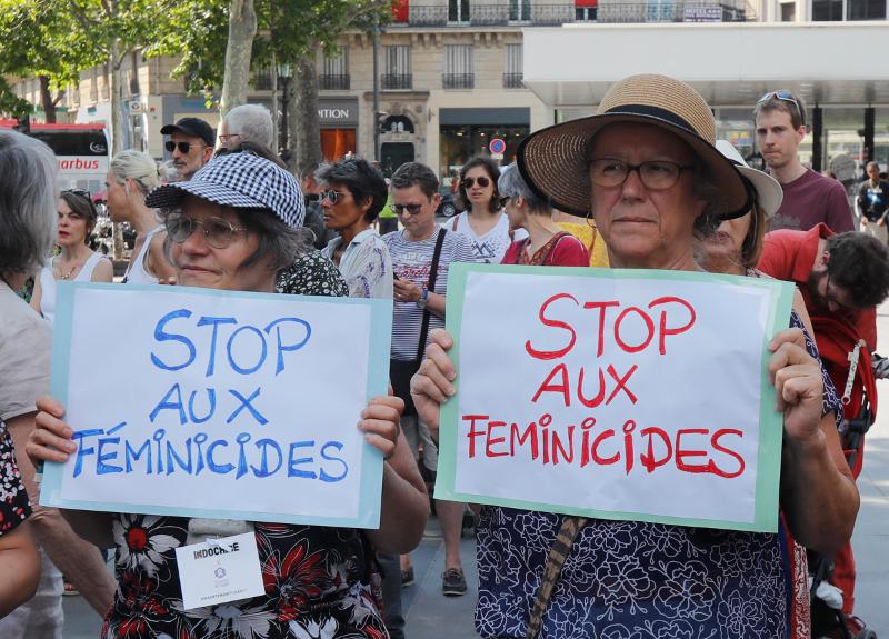 Διαδηλώτριες στο Παρίσι