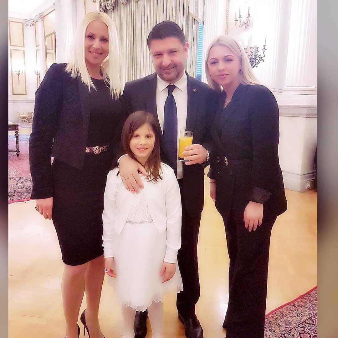 Νίκος Χαρδαλιάς σύζυγός κόρη