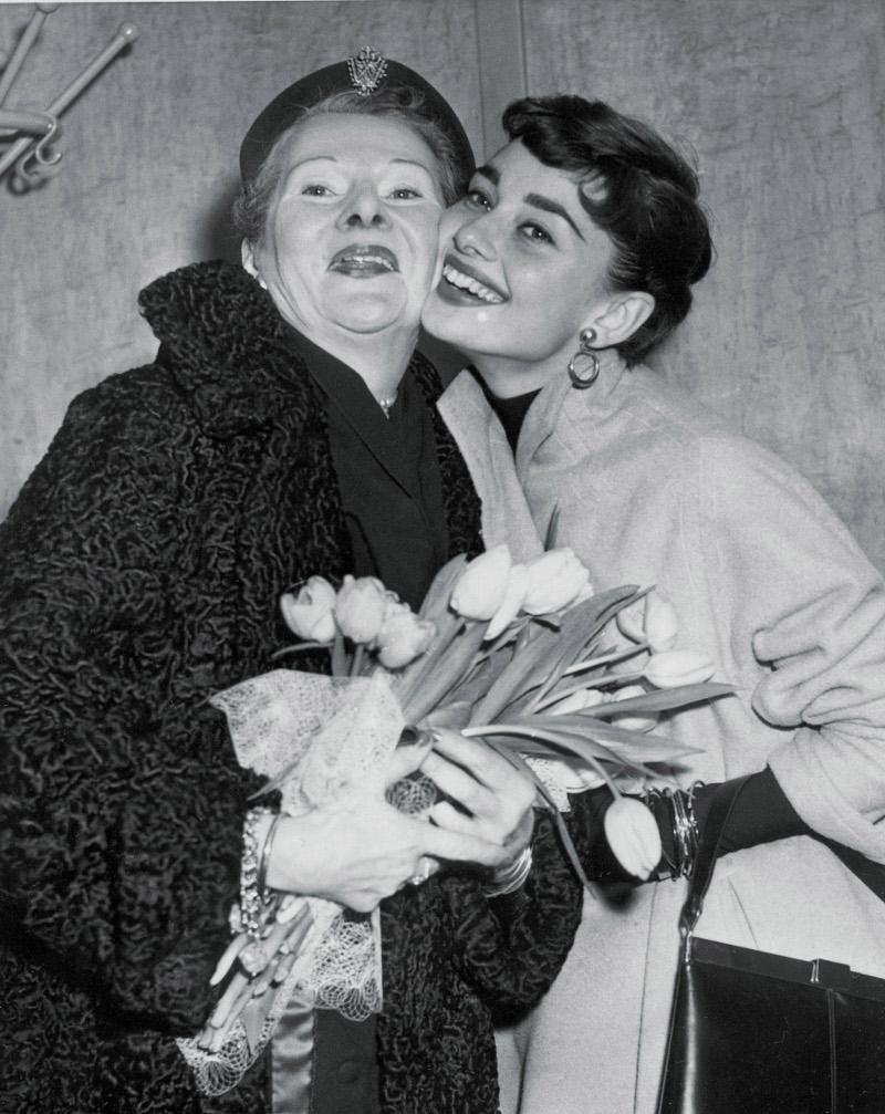Η Όντρεϊ Χέπμορν με τη μητέρα της
