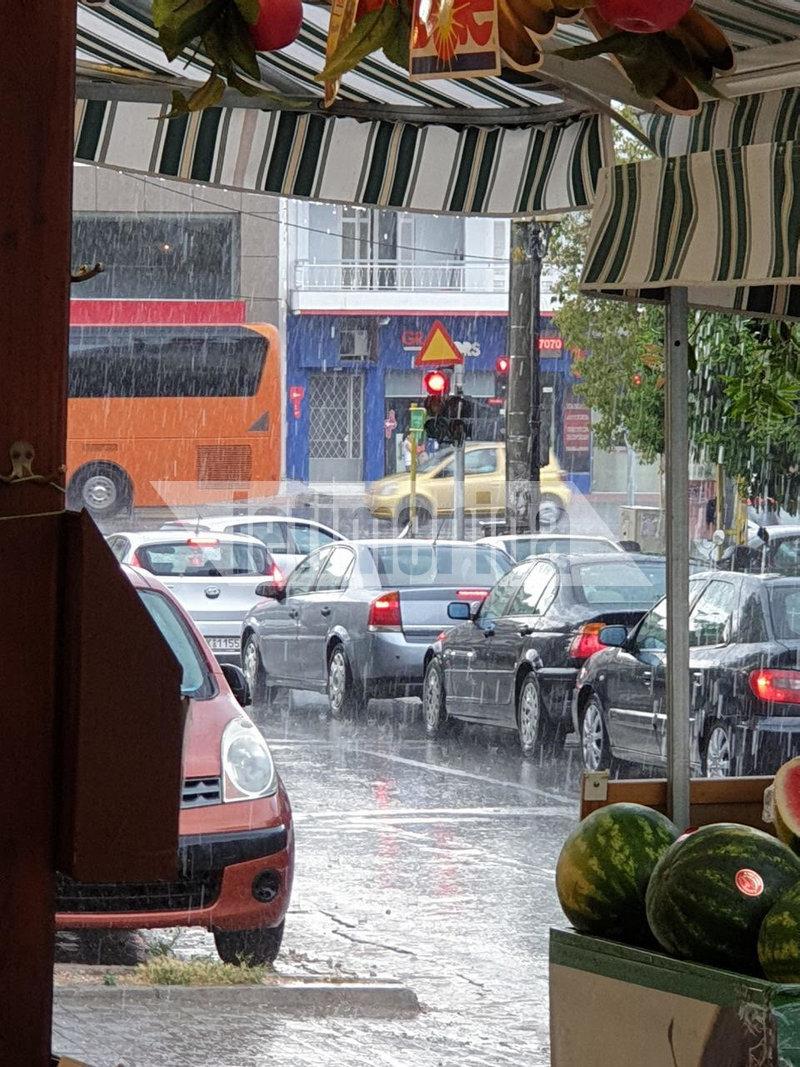 Μεγάλη ένταση της βροχής στο Χολαργό