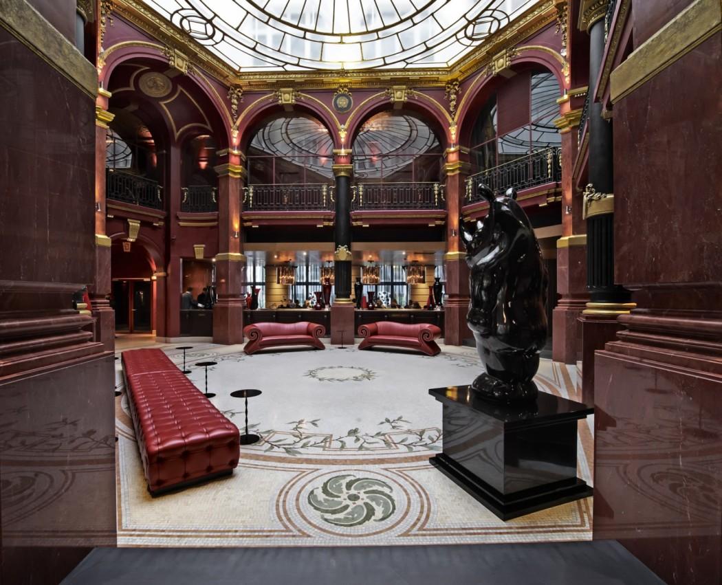 Η πρώην τράπεζα έγινε πολυτελές ξενοδοχείο στην καρδιά του Παρισιού