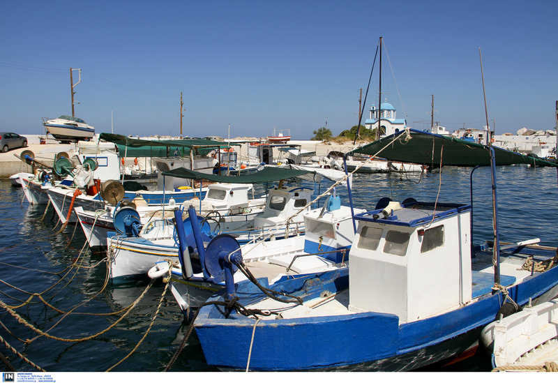 Ψαροκάικα σε λιμάνι της Ικαρίας -