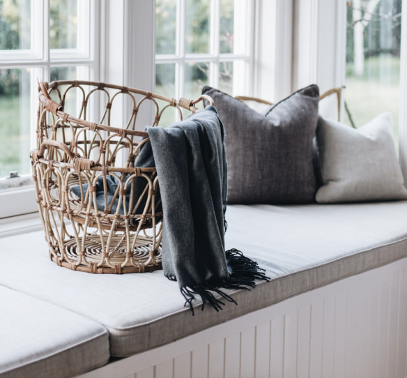 Ρατάν καλάθι ΙΚΕΑ με κουβέρτες