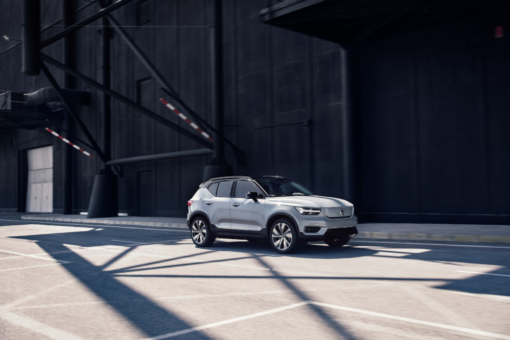 H Volvo αποκαλύπτει το ηλεκτρικό XC40