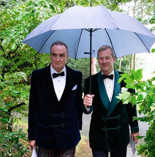 Ο Ιβάν Μαουντμπάτεν με τον σύζυγό του την ημέρα του γάμου τους