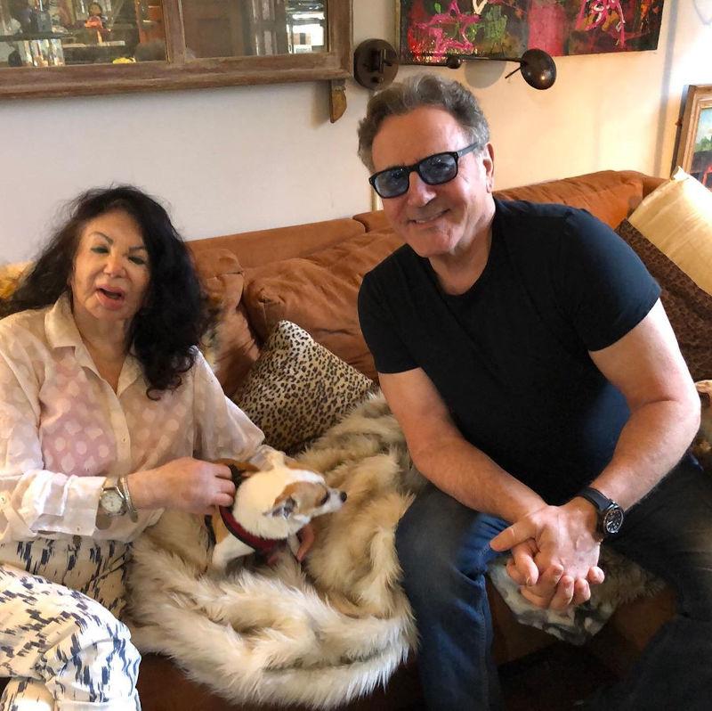 Η Τζάκι Σταλόνε σε μια από τις πρόσφατες φωτογραφίες της με τον γιο της Φράνκι