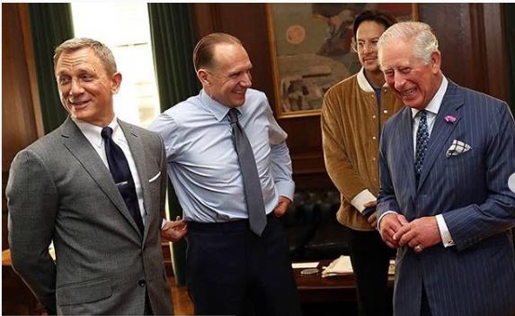 Πρίγκιπας Κάρολος με ηθοποιούς