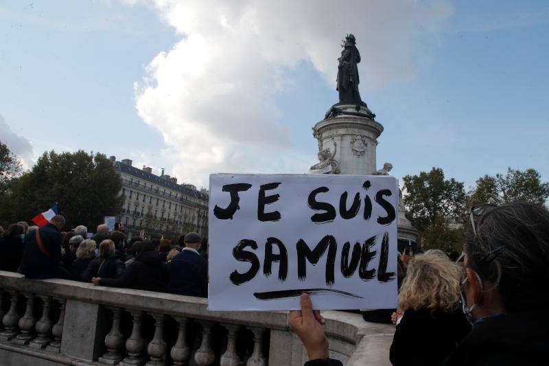 «Je Suis Samuel» είναι το σύνθημα στο Παρίσι