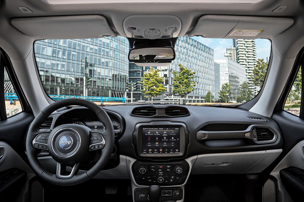 Jeep Renegade: Ανανεωμένο, με περισσότερες επιλογές συνδεσιμότητας