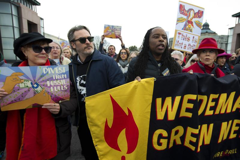 Ο Χοακίν Φίνιξ στη διαδήλωση για την κλιματική αλλαγή