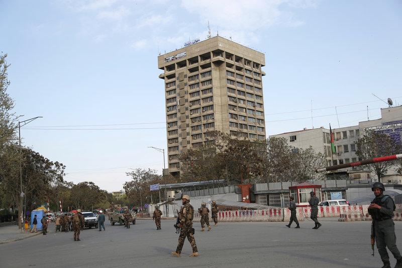 Το υπουργείο Επικοινωνιών στην Καμπούλ όπου σημειώθηκε η έκρηξη -Φωτογραφία: AP Photo/Rahmat Gul