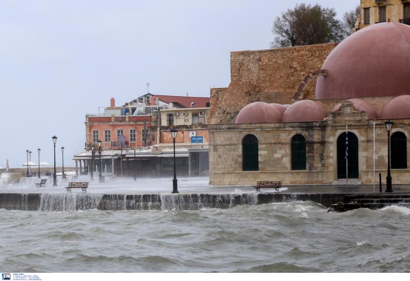 Η πρόσφατη κακοκαιρία στα Χανιά, έπληξε το Ενετικό Λιμάνι/Φωτογραφία: Intime