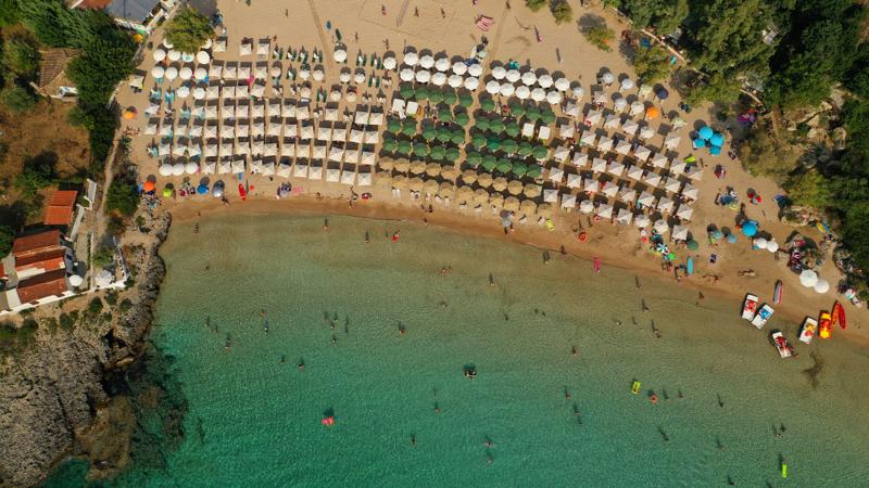 Η παραλία Καλογριά