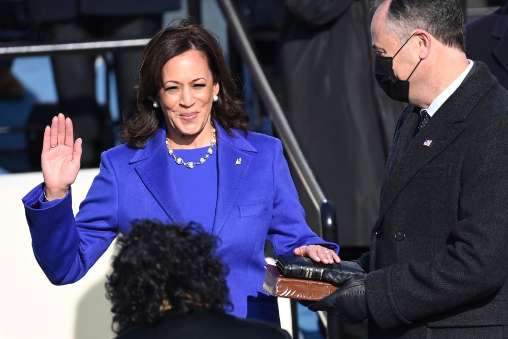 H Καμάλα Χάρις ορκίζεται αντιπρόεδρος