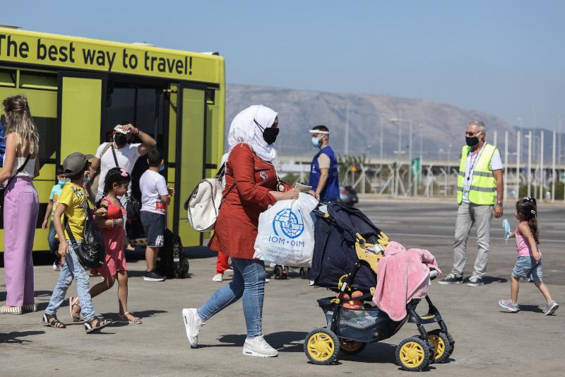 μεταναστες αεροδρόμιο