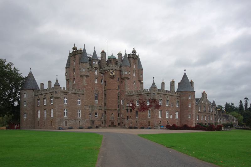 Το κάστρο Γκλάμις, όπου έγινε το πάρτι και ακολούθως η επίθεση