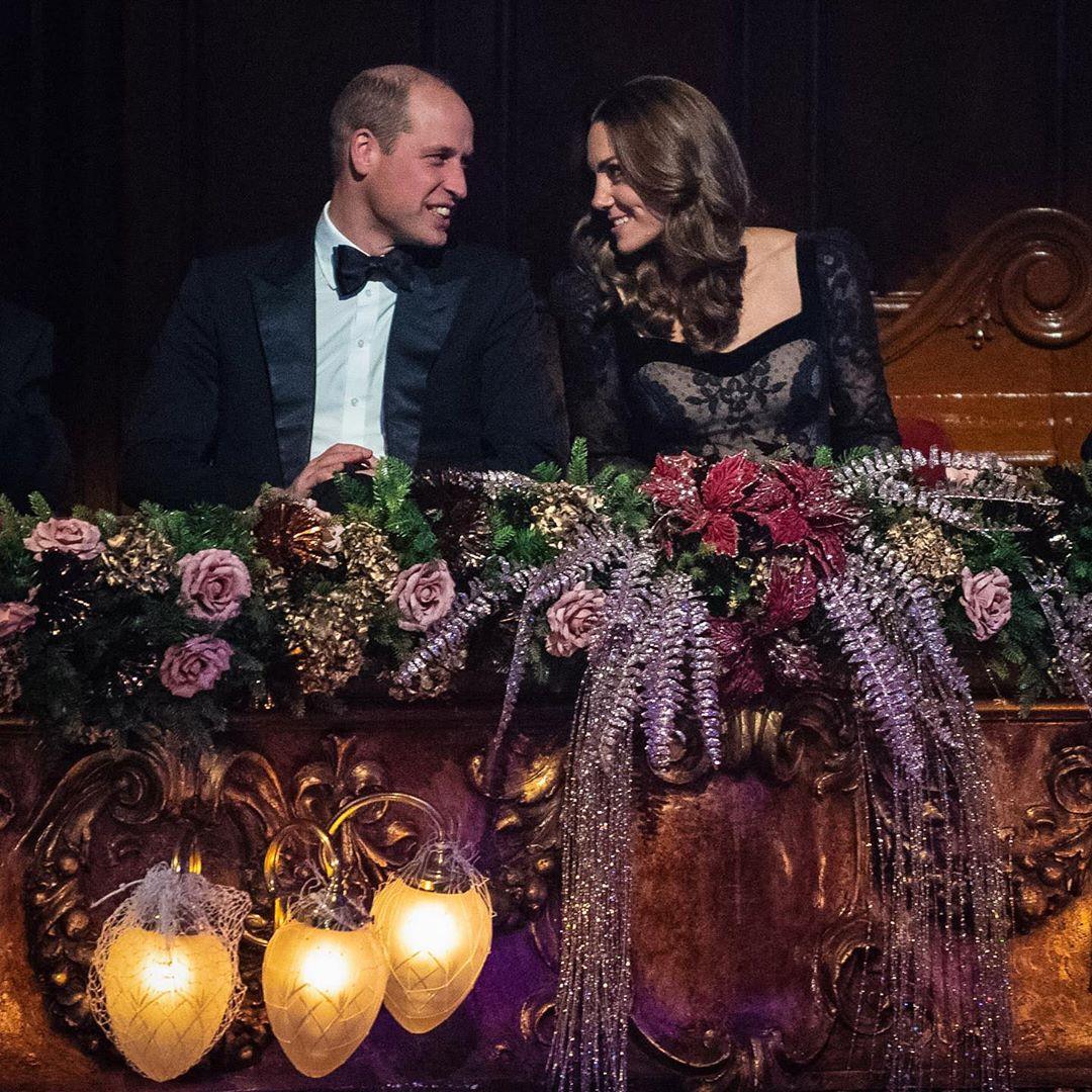 Γουίλιαμ και Κέιτ Μίντλετον κοιτάζονται στα μάτια