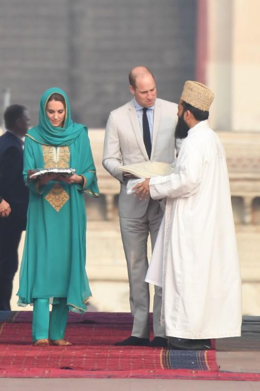 Κέιτ Μίντλετον, πρίγκιπας Ουίλιαμ συναντήθηκαν με θρησκευτικούς ηγέτες